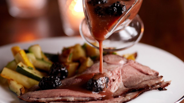Leg of lamb with blackberry sauce