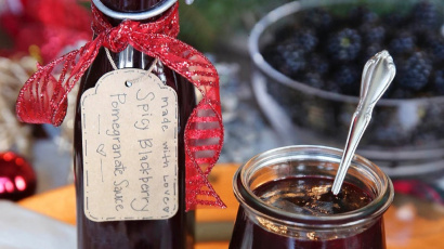 Spicy Blackberry Pomegranate Sauce