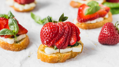 Brie Crostini with Strawberries and Basil Honey