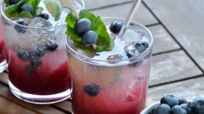 Astonishing blueberry mojito