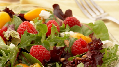 Raspberry Goat Cheese Salad