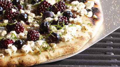 Grilled Berry Pizza