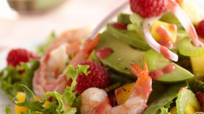 Sea salad with raspberries